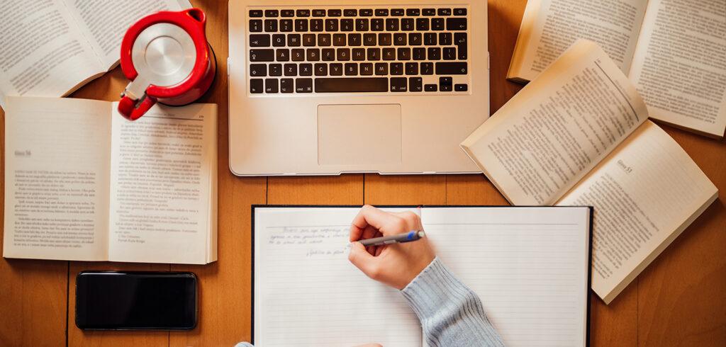 الكتابة الأكاديمية